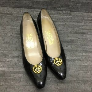 VTG Salvatore Ferragamo patent leather heels